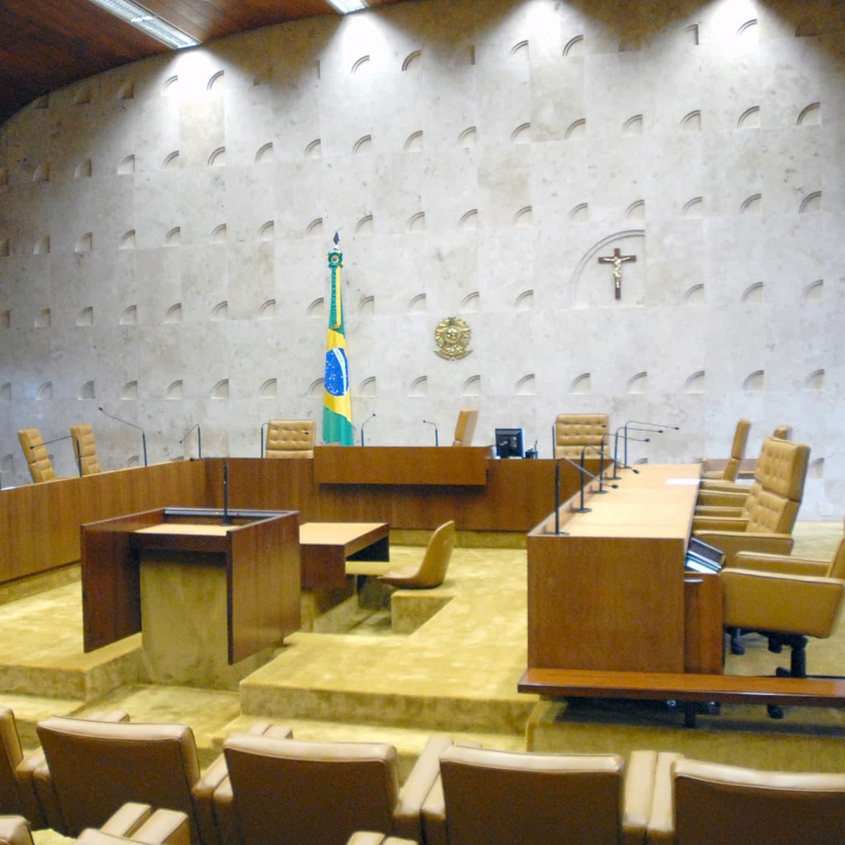 Crise de legimidade da Suprema Corte brasileira e do paradigma do controle de constitucionalidade
