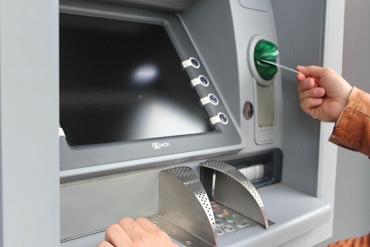 A penhora online de ativos salariais para garantia em processos de execução fiscal