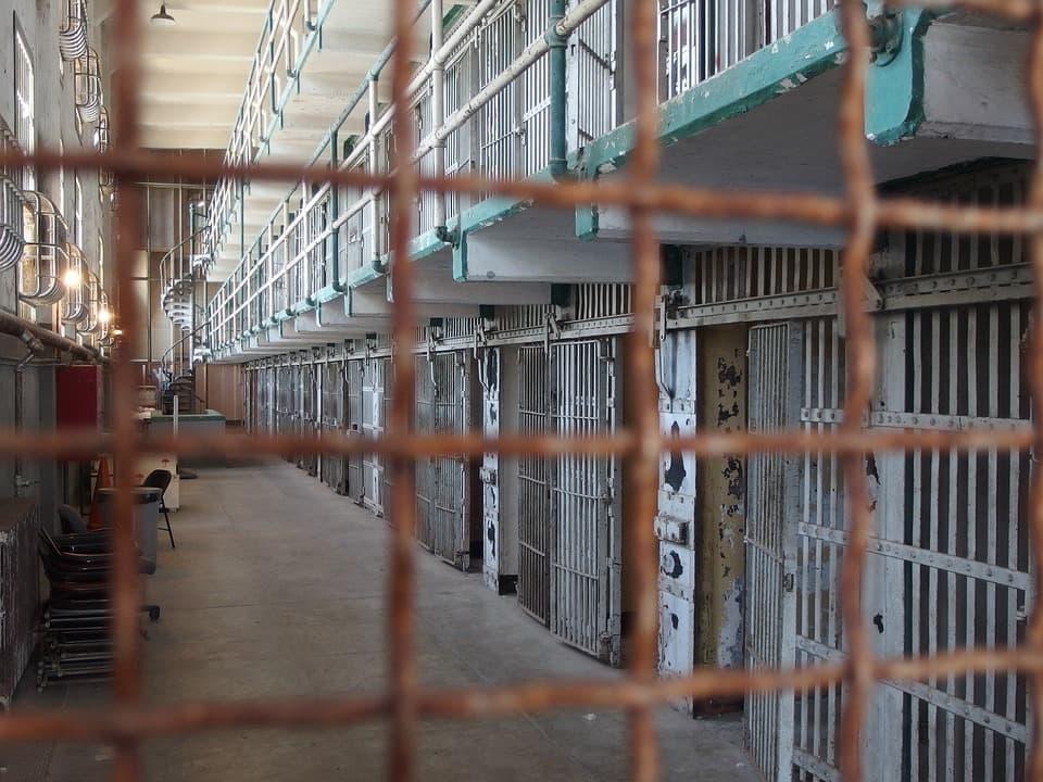 Reincidência não reconhecida na sentença condenatória pode ser proclamada pelo juiz da execução